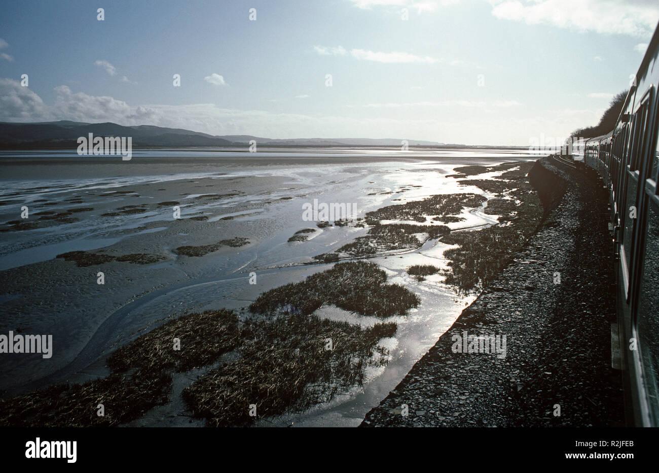Dyfi Estuary, Cambrian Coast railway line from Dovey Junction to Pwllheli railway line - Stock Image