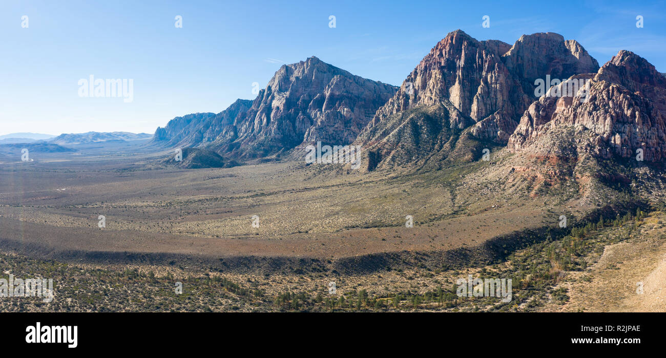 Spectacular rock formations are found in Red Rock Canyon State Park just outside of Las Vegas, Nevada. This is a national conservation area. - Stock Image