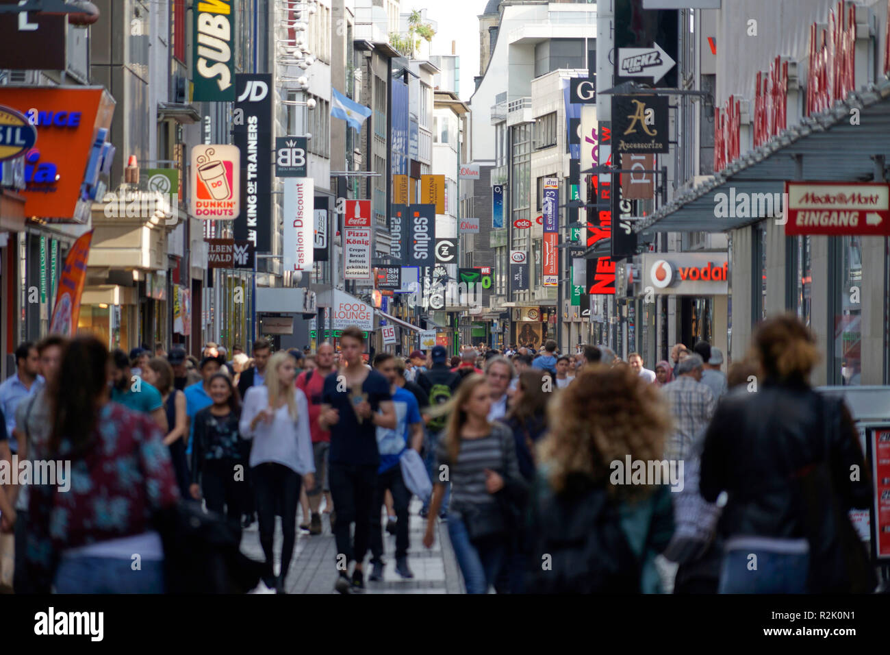 Germany, North Rhine-Westphalia, Cologne, downtown, pedestrian area, the shopping street Hohe Straße, people shopping Stock Photo
