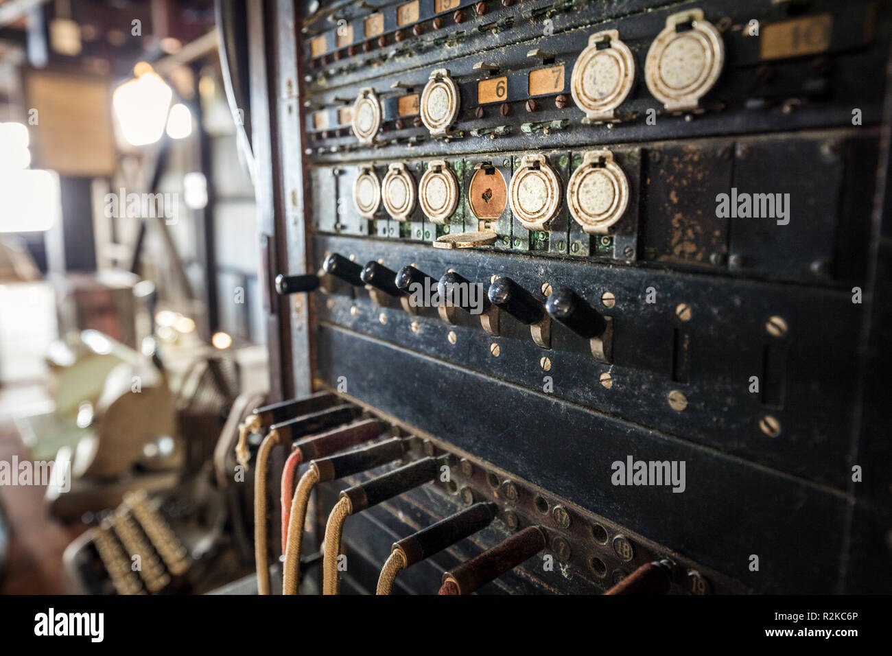 An antique switchboard at the Finca Hamburgo coffee plantation near Tapachula, Chiapas, Mexico. - Stock Image