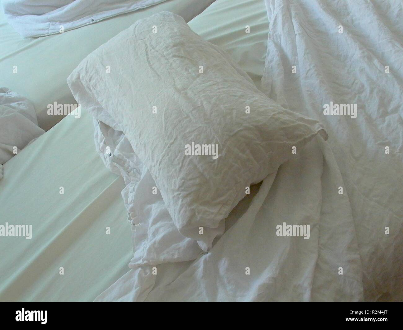 make beds - Stock Image