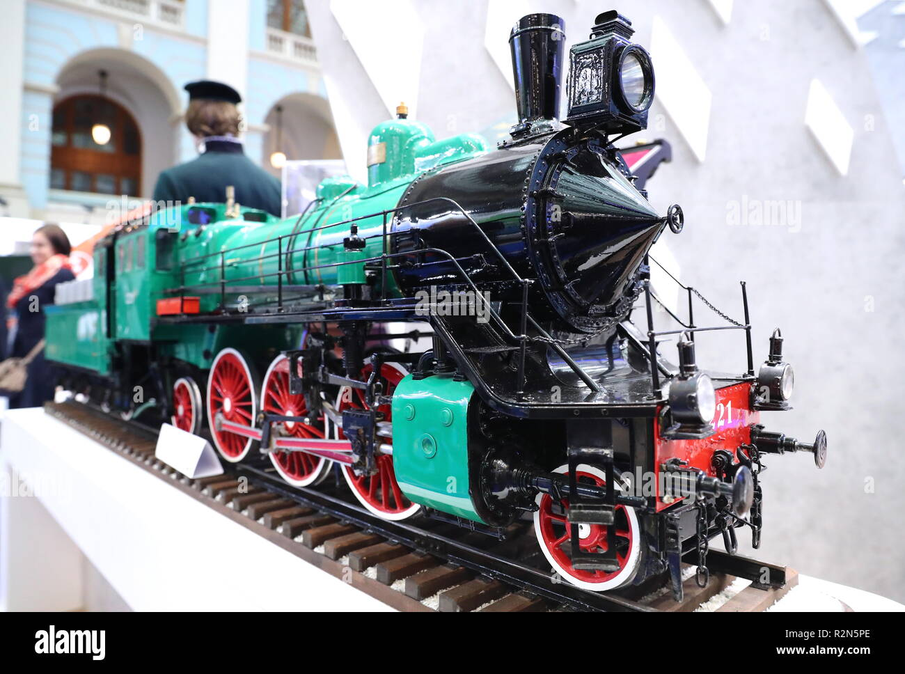 Moscow, Russia. 20th Nov, 2018. Moscow, Russia. 20th Dec, 2018. MOSCOW, RUSSIA - NOVEMBER 20, 2018: A 1910s steam locomotive scale model on display at the 12th Transport of Russia International Exhibition held at Moscow's Gostiny Dvor department store. Anton Novoderezhkin/TASS Credit: ITAR-TASS News Agency/Alamy Live News - Stock Image