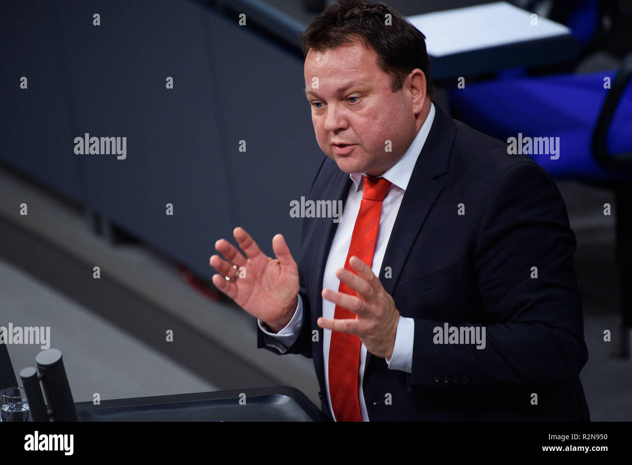 Berlin, Germany. 20th Nov, 2018. Martin Gerster (SPD), member of the Bundestag, will speak in the Bundestag at the beginning of the concluding deliberations on the federal budget 2019. Credit: Gregor Fischer/dpa/Alamy Live News - Stock Image