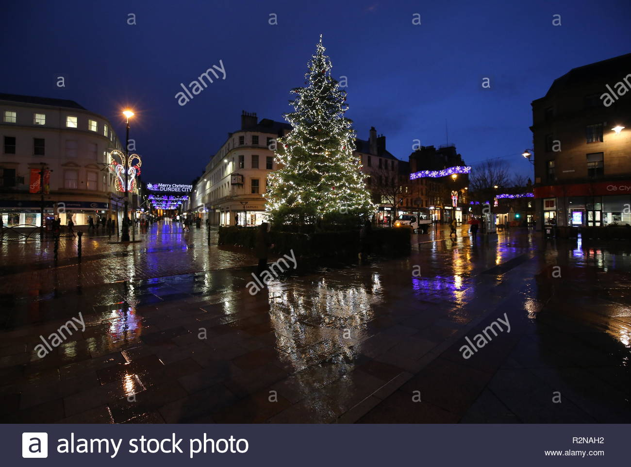 Dundee, UK. 20th November 2018. Christmas decorations in City Square Dundee after a wet and windy day in Tayside. Credit: Stephen Finn/Alamy Live News Stock Photo
