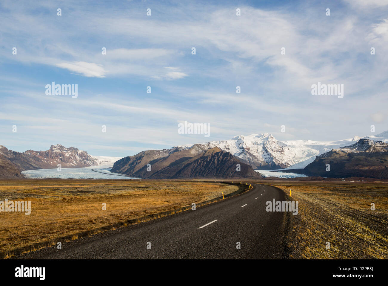 Ring road, bending, no people, leading to the glaciers and glacier tongues of Skaftafell National Park in Iceland - Stock Image
