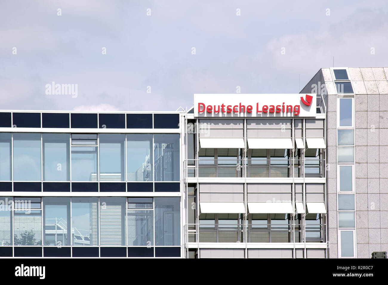 Facade of the corporate headquarters of Deutsche Leasing Finanz AG in Bad Homburg - Stock Image