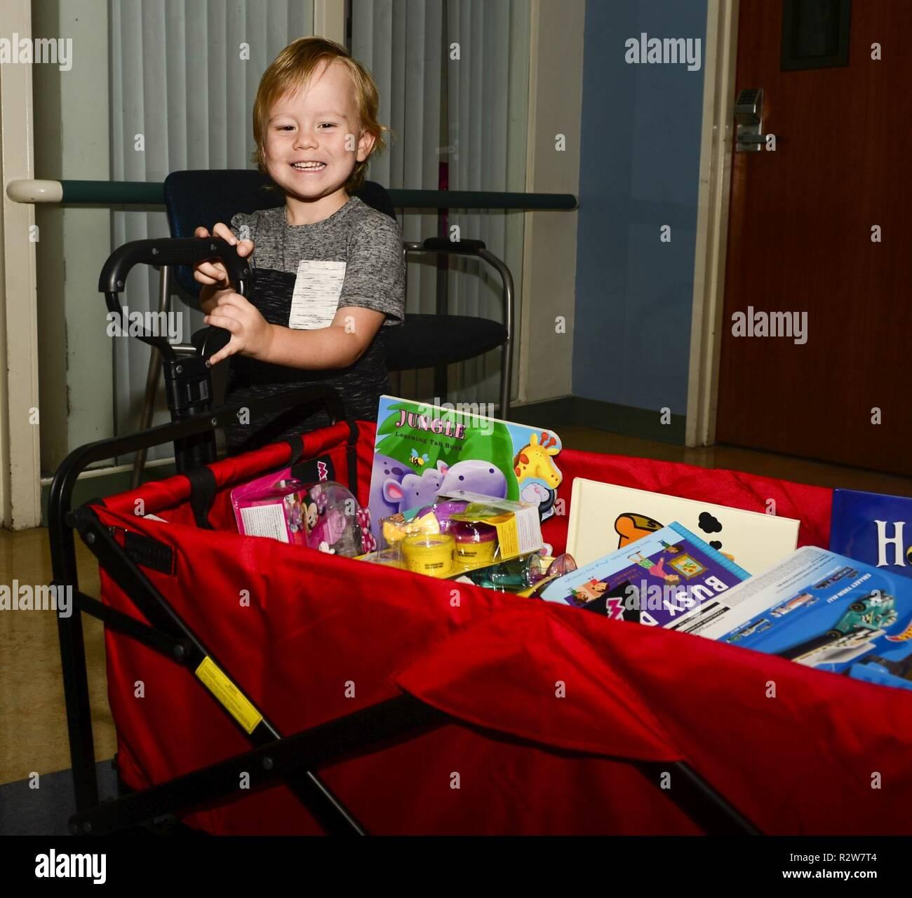 Pediatric Oncology Stock Photos & Pediatric Oncology Stock