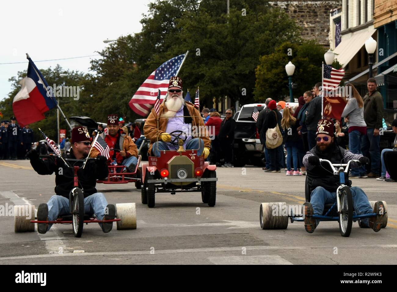 54359cd761a0 Members from the Suez Shriners