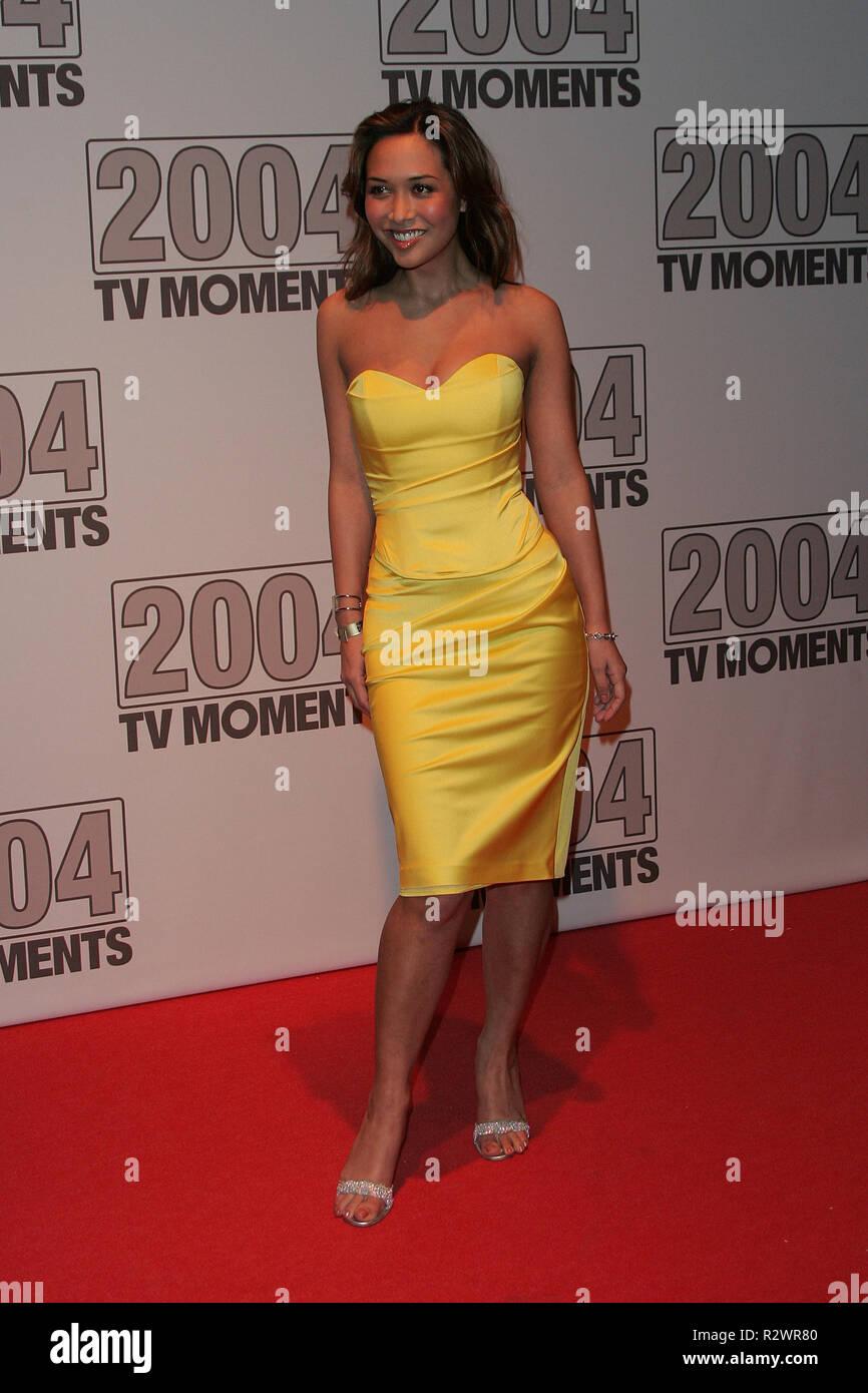 3d9be16ae6d954 MYLEENE KLASS TV MOMENTS 2004 BBC TELEVISION CENTRE LONDON ENGLAND 22  January 2005 - Stock Image