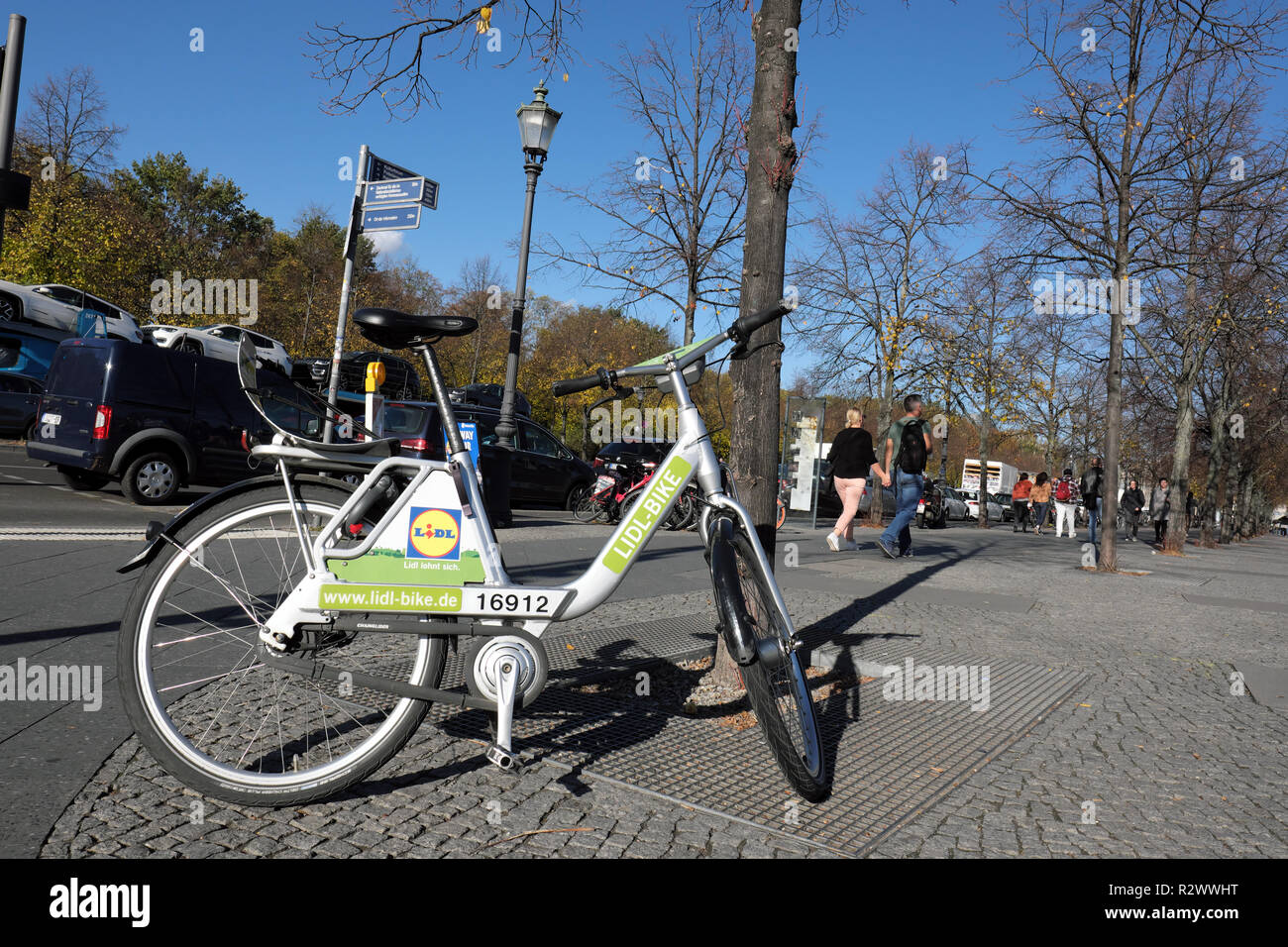 bike rental berlin stock photos bike rental berlin stock. Black Bedroom Furniture Sets. Home Design Ideas