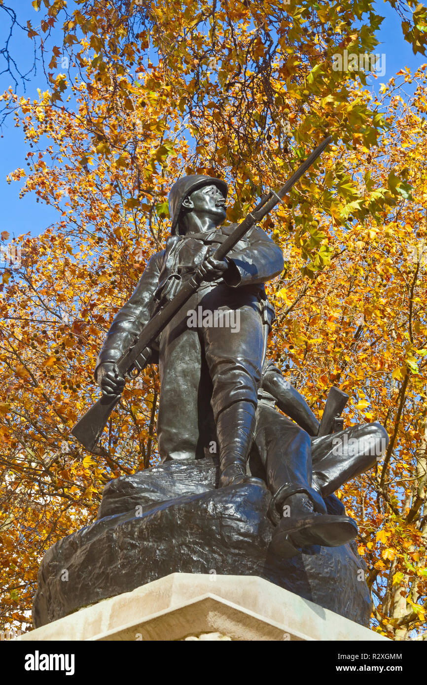 London, Westminster.  The Royal Marines Memorial of 1903 in The Mall. Stock Photo