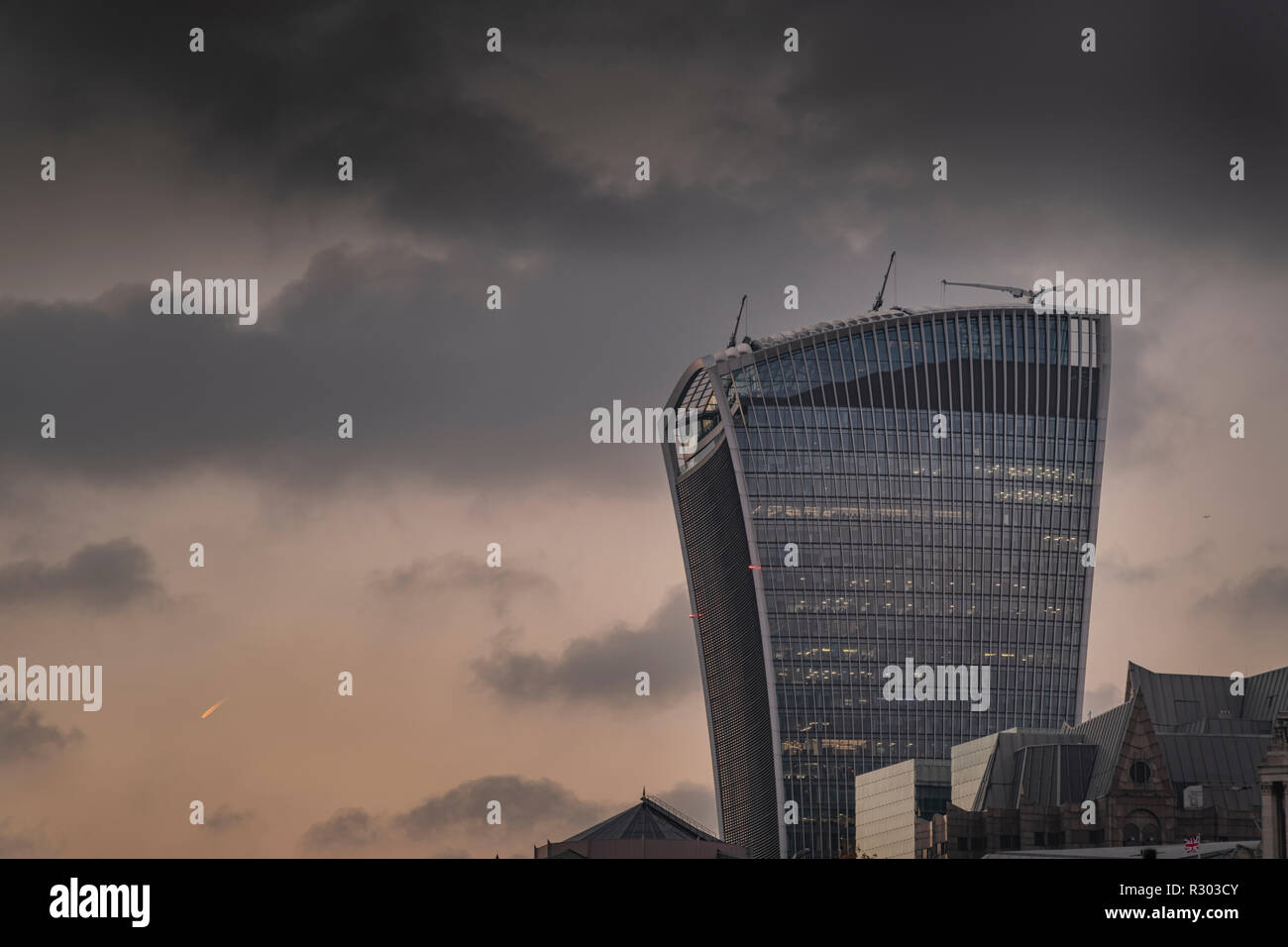 20 Fenchurch Street, The Walkie-Talkie building in The City of London at dusk. - Stock Image