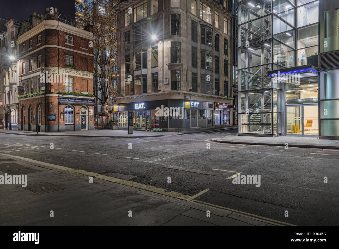 Deserted London street at night - Stock Image