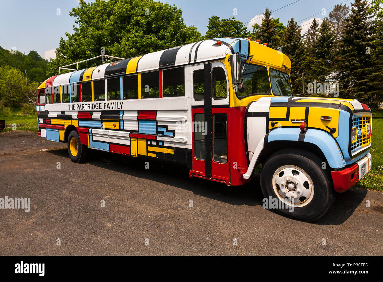 beck's blog: Partridge Family; Mondrian; I think I Love ... |Partridge Family Bus Pattern