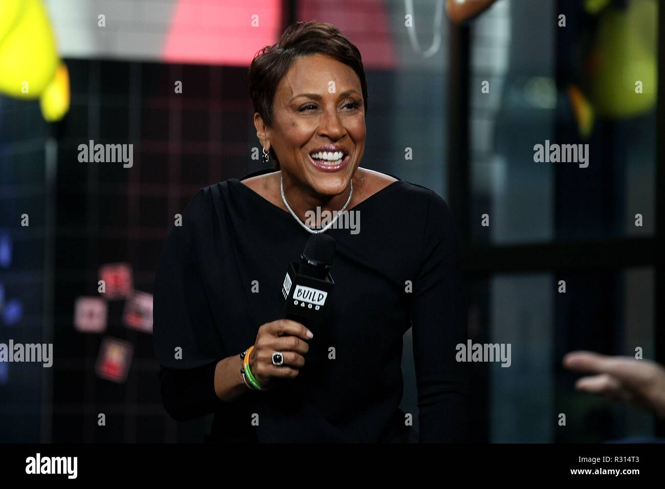 Robin Roberts inside for AOL Build Series Celebrity Candids - TUE, AOL Build Series, New York, NY November 20, 2018. Photo By: Steve Mack/Everett Collection - Stock Image