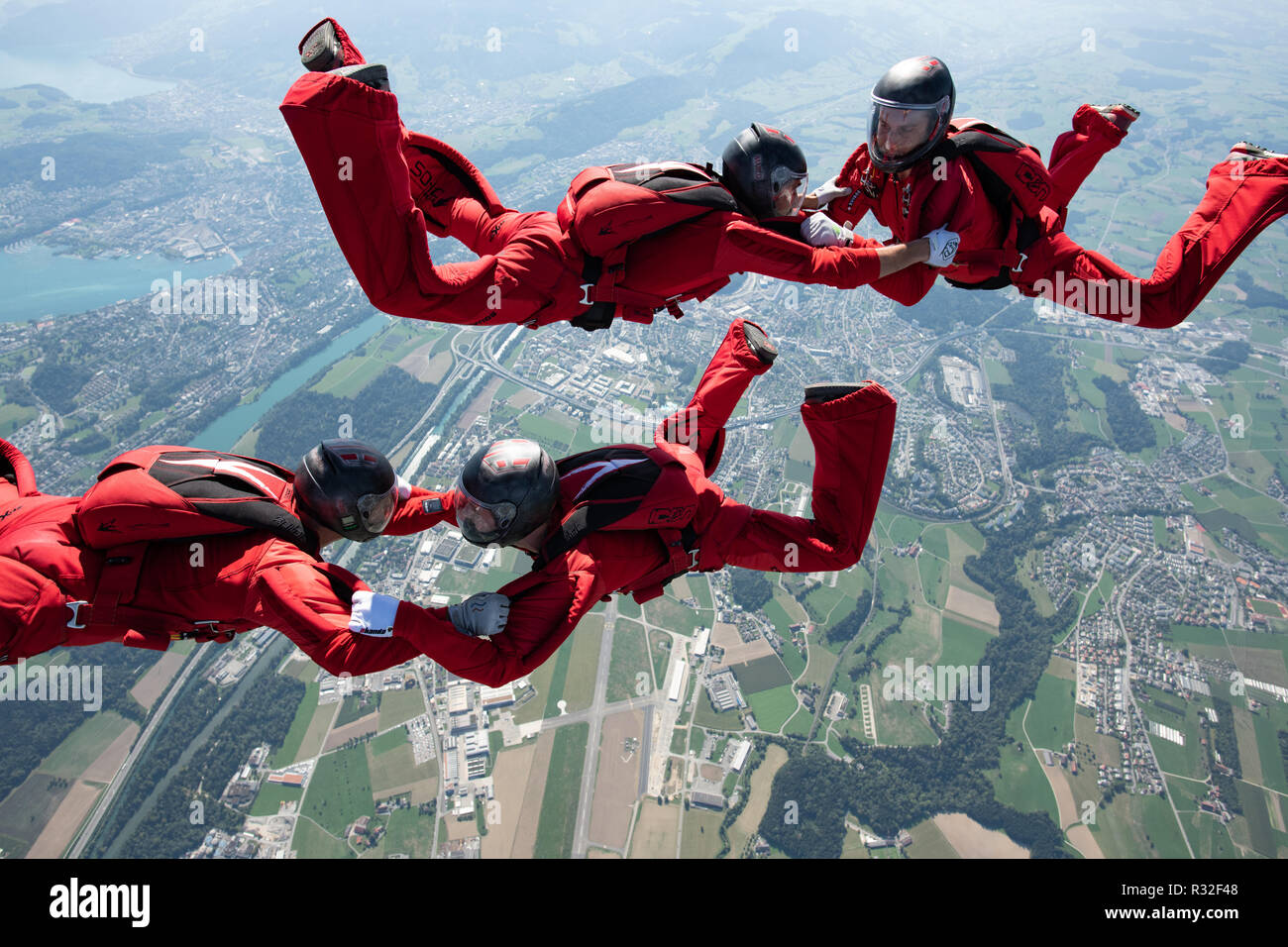 Skydiving team on a training jump Stock Photo: 225634536 - Alamy