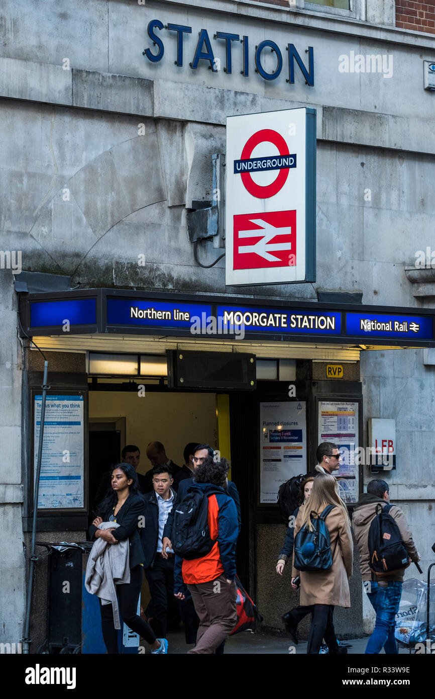 Commuters leaving Moorgate Station, London, England, U.K. - Stock Image