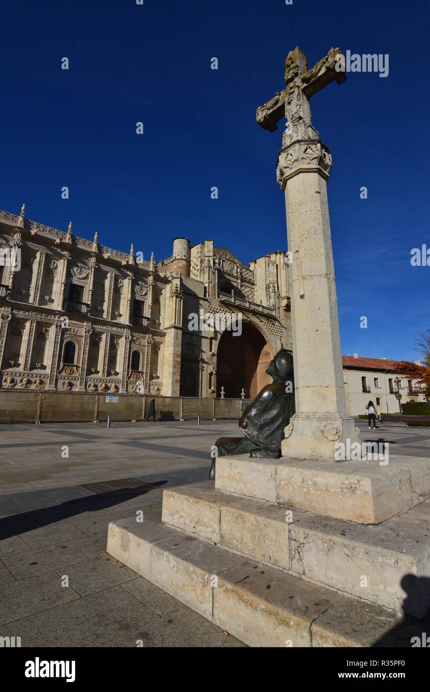 Monument To The Pilgrim With Bottom Of The Old Convent Hospital Of San Marcos In Leon. Architecture, Travel, History, Street Photography. November 2,  - Stock Image