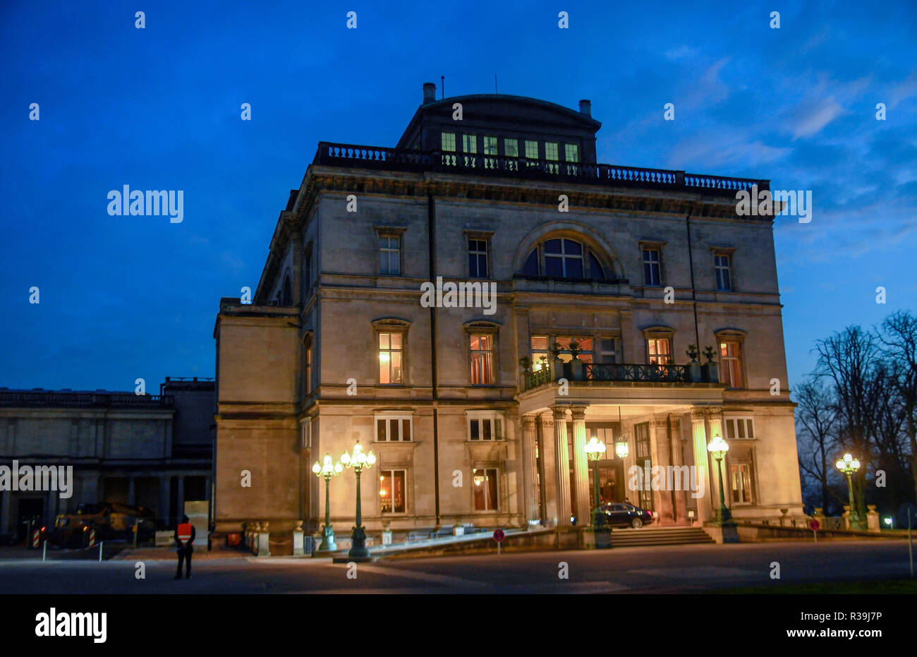 Essen, Germany. 22nd Nov, 2018. Villa Hügel can be seen in the evening light before the Alfried Krupp Award for Young University Teachers is presented. The prize is endowed with one million euros. This year's prizewinner Julian Stingel, biochemist, will be honoured for his research into the 'repair' of damaged genetic material. Credit: Ina Fassbender/dpa/Alamy Live News - Stock Image