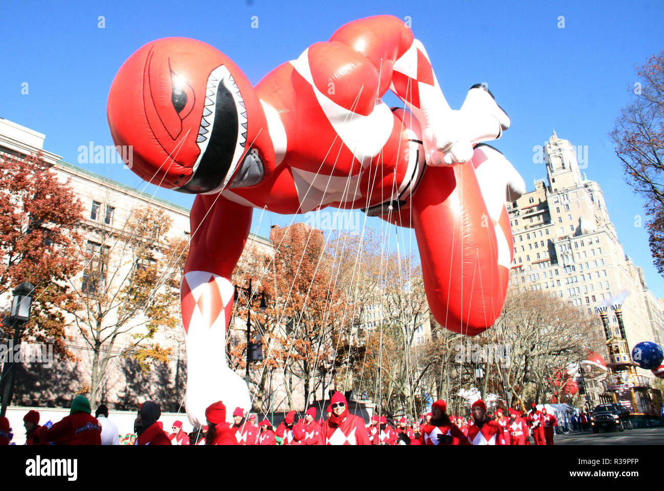 New York, NY, USA. November 22, 2018 The Red Mighty Morphin Power Ranger ballon march in 92nd Annual Macys Thanksgiving Day Parade in New York. November 22, 2018 Credit:RW/MediaPunch/Alamy Live News - Stock Image