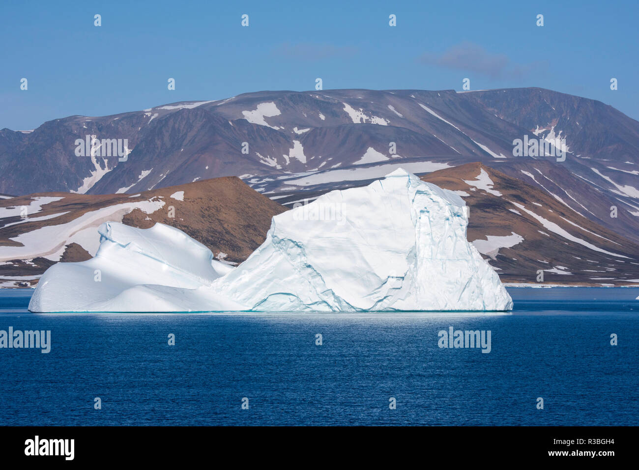 Greenland, Scoresbysund, aka Scoresby Sund. Large icebergs near Ittoqqortoormiit. Stock Photo