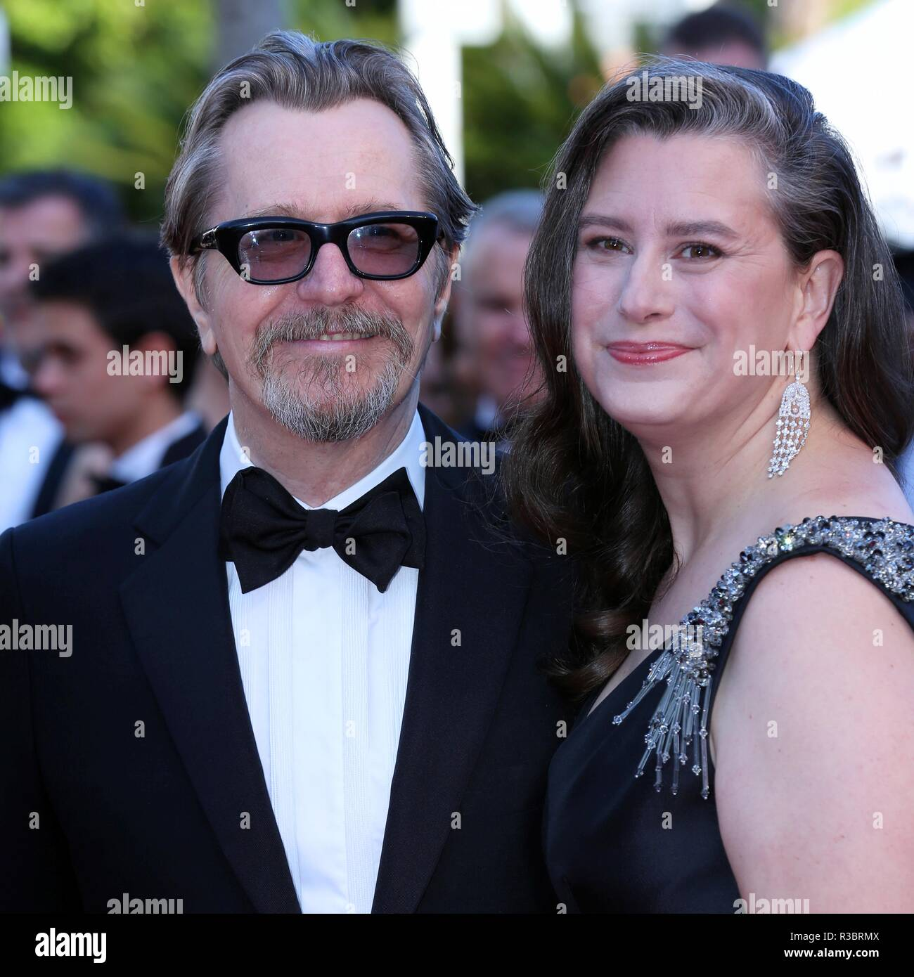 CANNES, FRANCE – MAY 17, 2018: Gary Oldman and Gisele Schmidt attend the screening of 'Capharnaum' at the Festival de Cannes (Ph: Mickael Chavet) - Stock Image