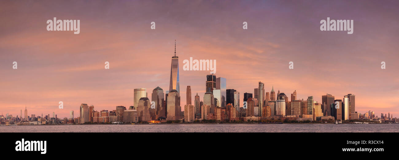 USA, New York City, Lower Manhattan skyline with Freedom Tower from New Jersey - Stock Image