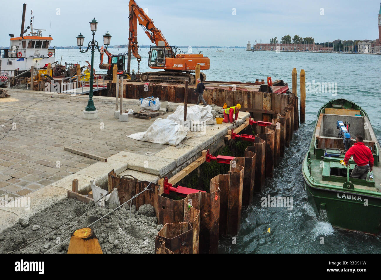Construction work to improve waterfront, Venice, Italy - Stock Image