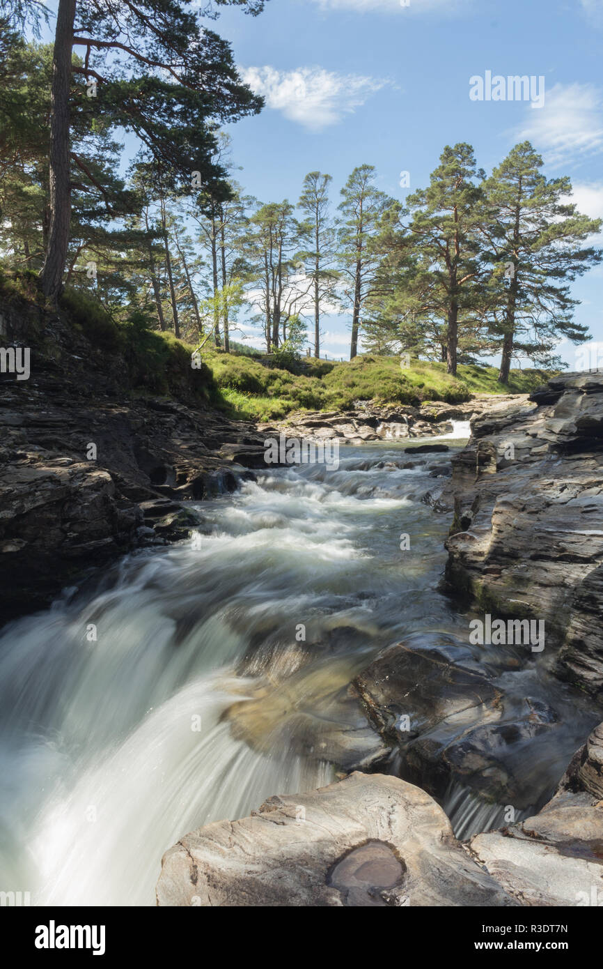 The River Dee flowing through the Linn O Dee, Aberdeenshire, Scotland, UK. - Stock Image