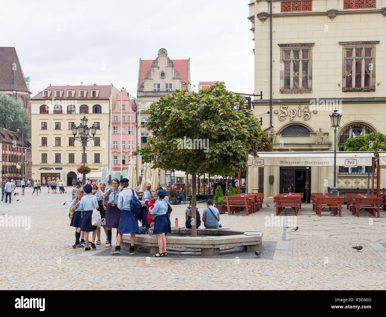 WROCLAW, POLAND - AUGUST 16, 2017: Polish Girl Guides At Rynek Market Square In Wroclaw - Stock Image