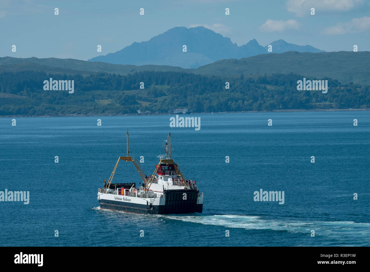 The Caledonian MacBrayne ferry, the MV Loch Fyne sails from Mallaig to Armadale on the Isle of Skye. - Stock Image