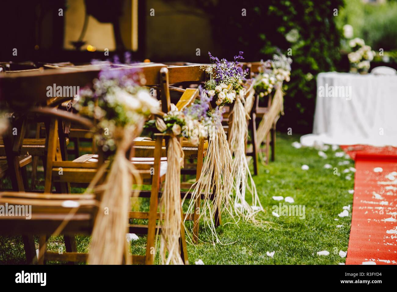 Decorations For A Rustic Outdoor Wedding With Natural Motifs And