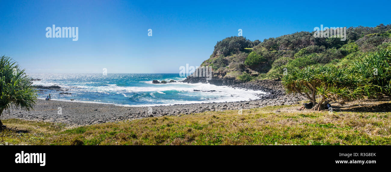 view of Boulder Beach, Tertiary Basalt Rock betwen Lennox Head and Ballina, Northern Rivers region, New South Wales, Australia - Stock Image