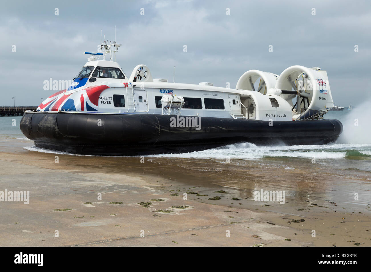 Hovercraft / Hover Craft 'The Solent Flyer' seen at Ryde on Isle of Wight / IofW / IoW. Service operates between Ryde & Southsea in Portsmouth UK (98) Stock Photo