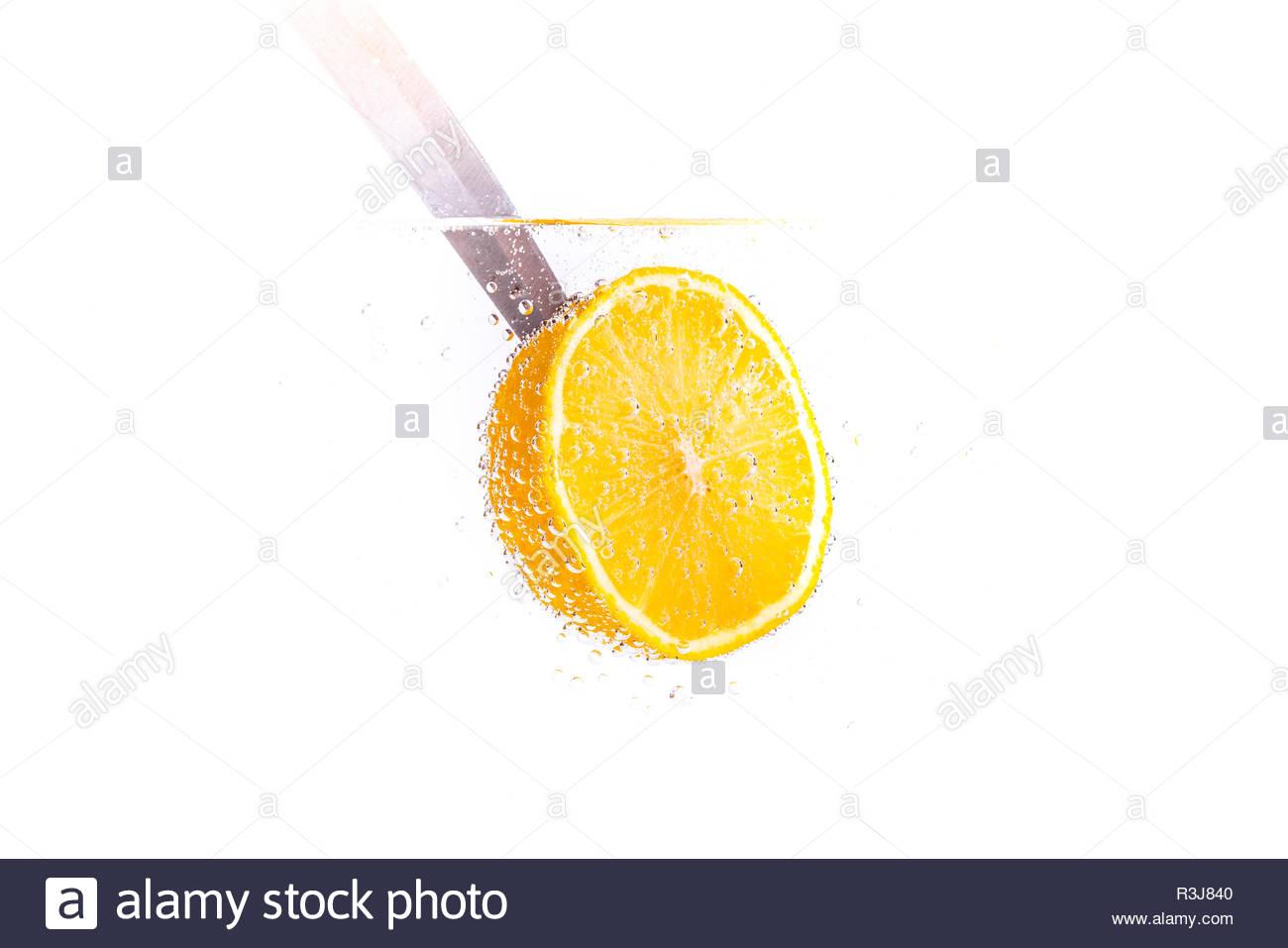 Frische Zitrone im frischen Wasser Stock Photo