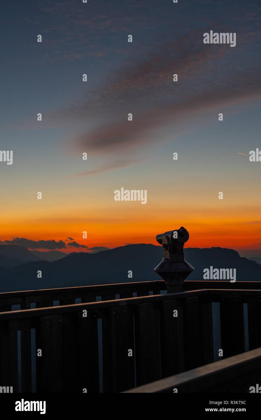 Sonnenuntergang am Aussichtsturm - Stock Image