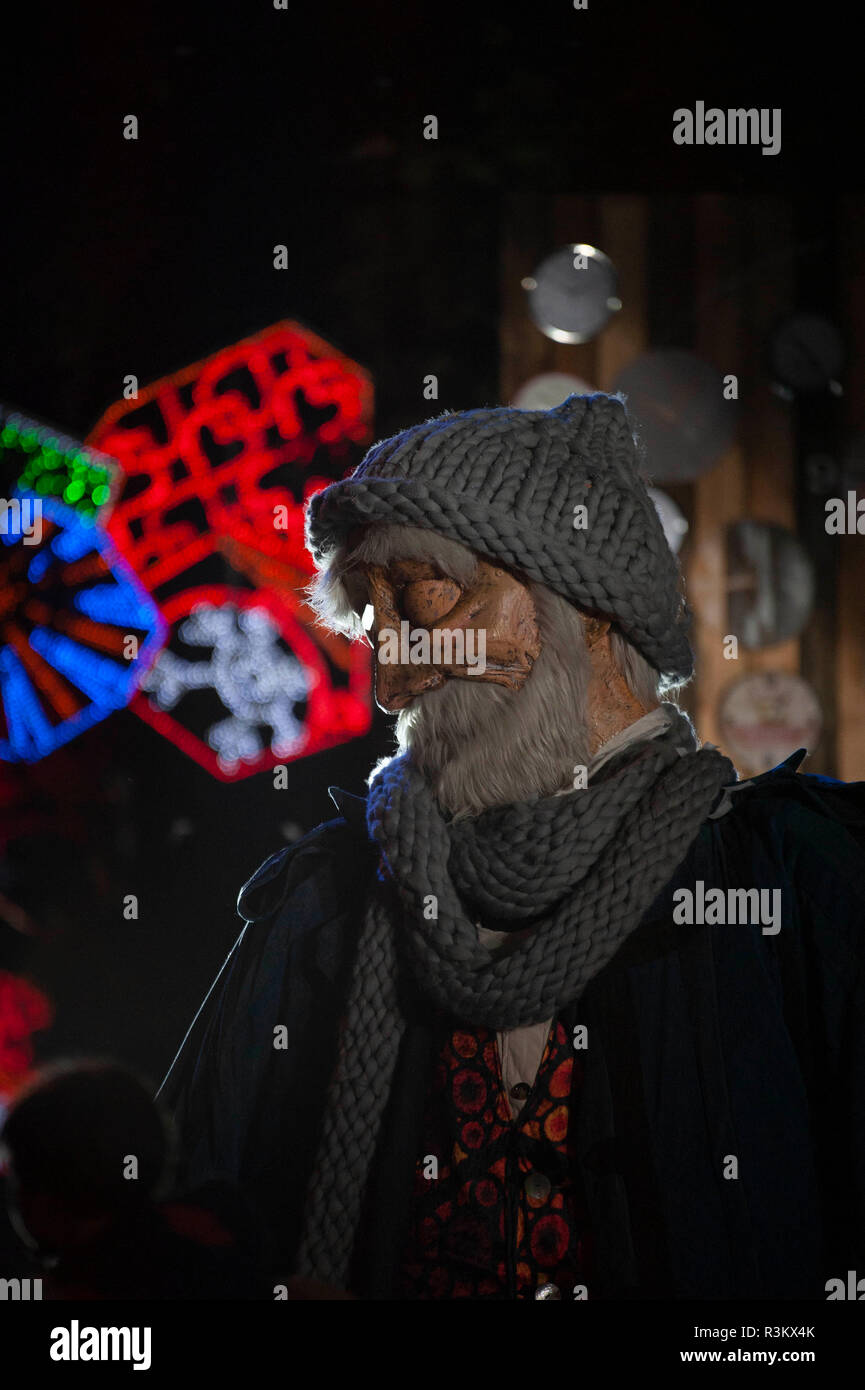 Barcelona, Spain. 22nd Nov, 2018. Barcelona, Spain. has lit more than 100 km of Christmas lights in a show where Mr. Winter, a character of four meters tall, white beard, erase and various outfits to face the cold that will accompany the little ones during these dates. The act presented by Magi Lari was attended by the mayor of Barcelona, Spain., Ada Colau and other municipal authorities. Credit: Charlie Perez/Alamy Live News Stock Photo