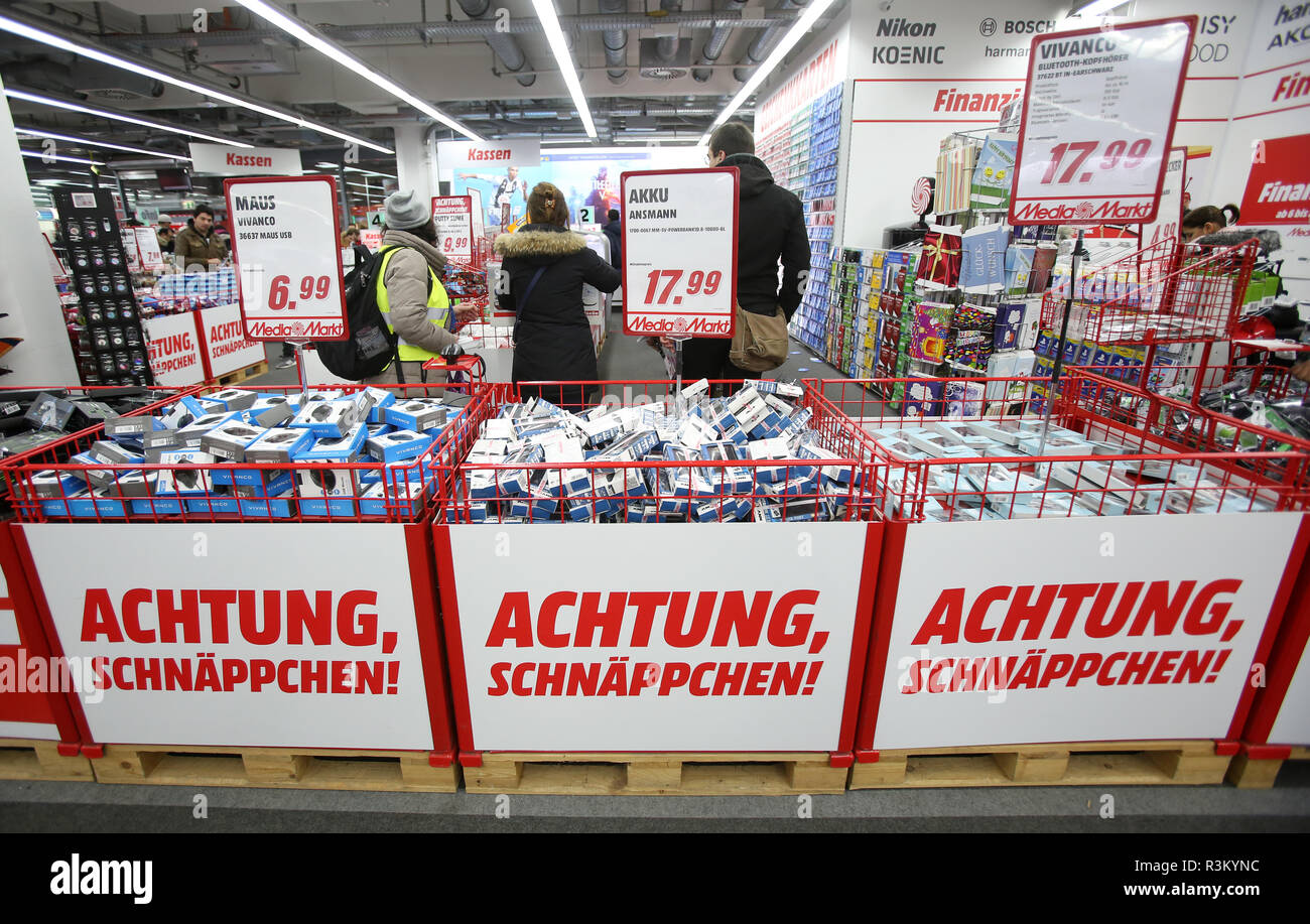 Hamburg Germany 23rd Nov 2018 Attention Bargain Is On The Discount Day Black Friday On Boxes