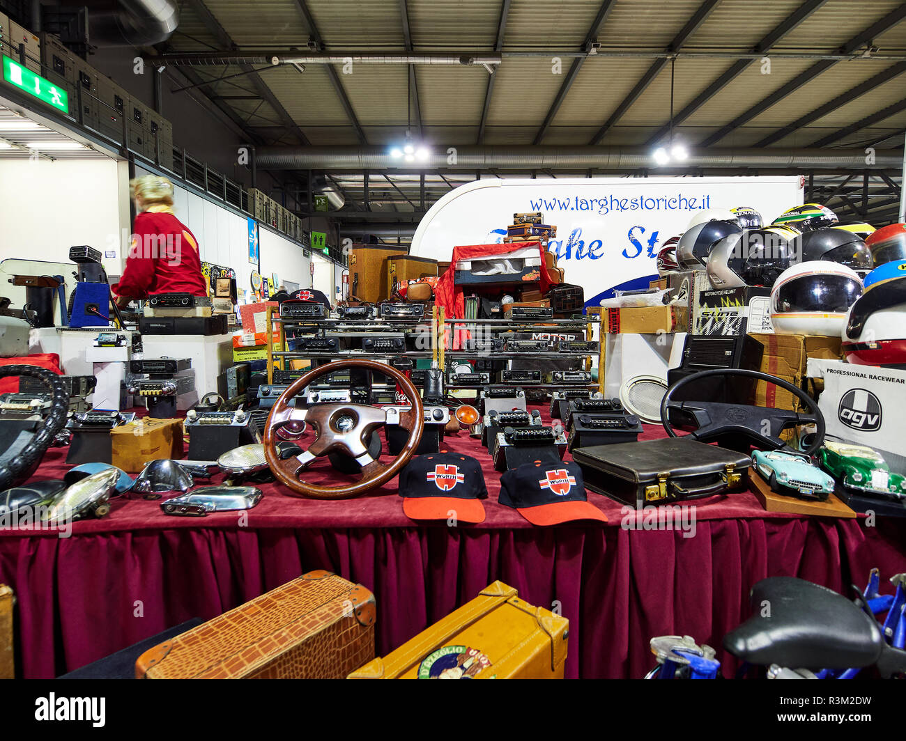 Milan, Lombardy Italy - November 23 , 2018 - Stand selling classic cars stereos at Autoclassica Milano 2018 edition at Fiera Milano Rho Credit: Armando Borges/Alamy Live News - Stock Image