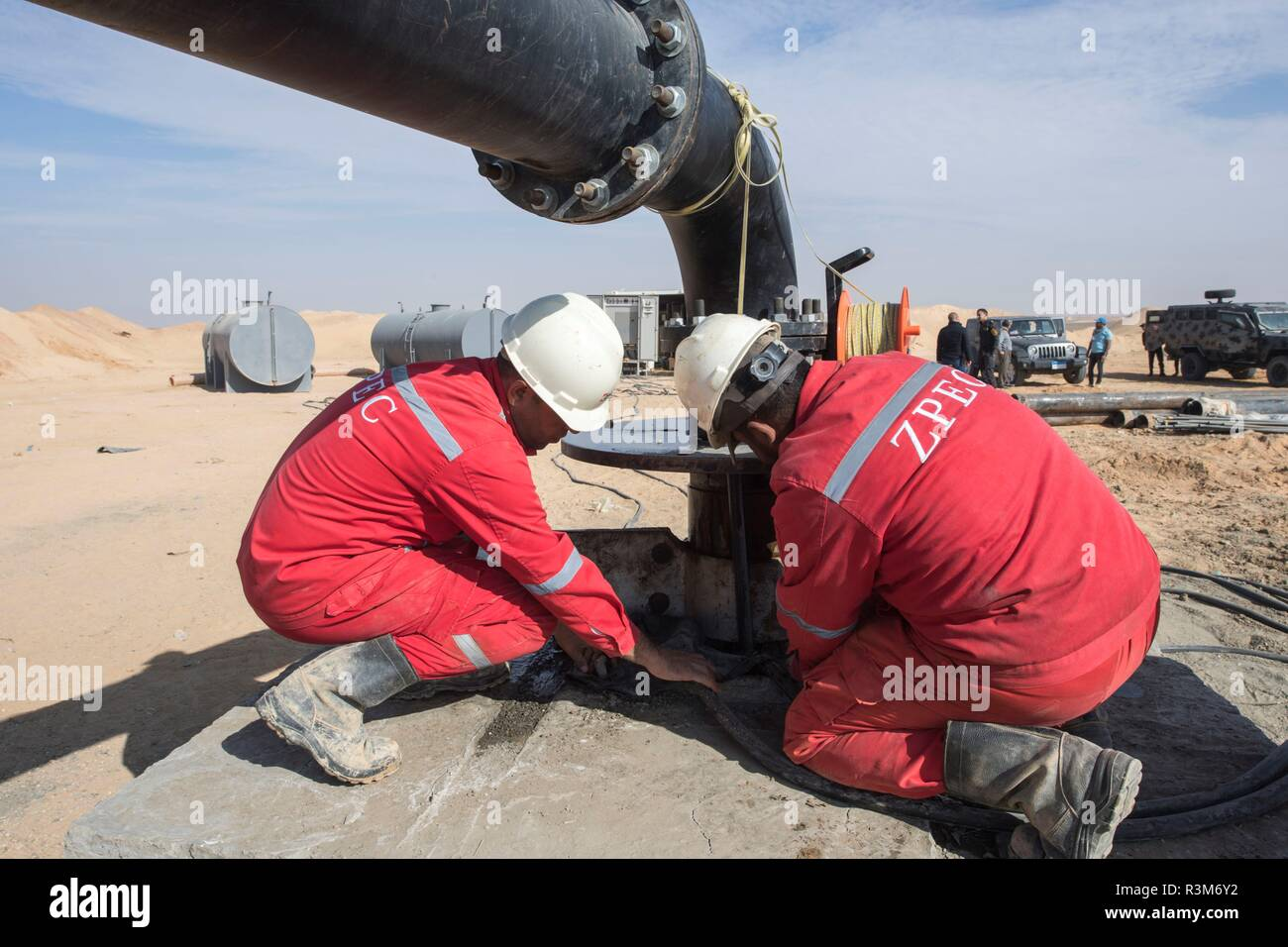 Minya  20th Nov, 2018  Egyptian workers of China's ZPEC drilling