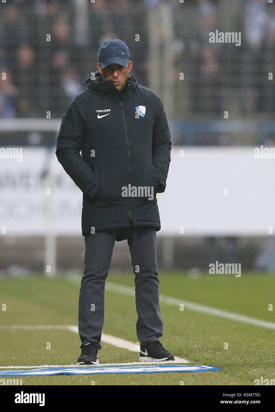 firo: 24.11.2018, football, 2.Bundesliga, season 2018/2019, VfL Bochum - Erzgebirge Aue coach Robin DUTT, Bochum | usage worldwide - Stock Image