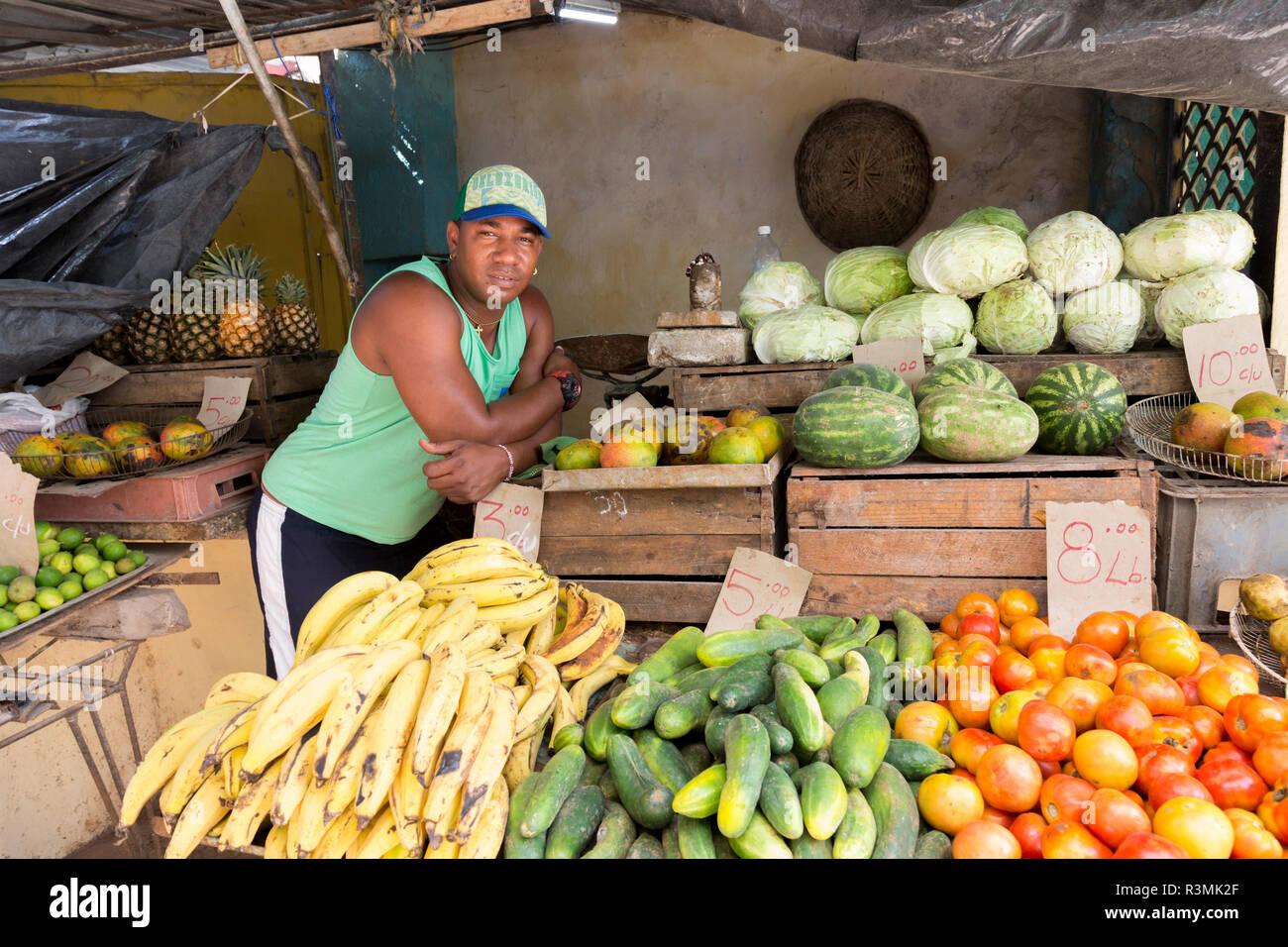 Cuba, Havana. Produce vendor. Credit as: Wendy Kaveney / Jaynes Gallery / DanitaDelimont.com Stock Photo