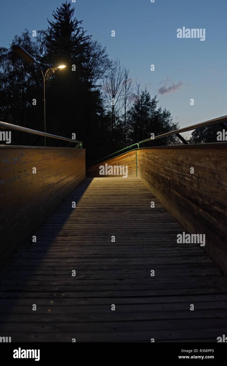 Brücke ins Licht - Stock Image