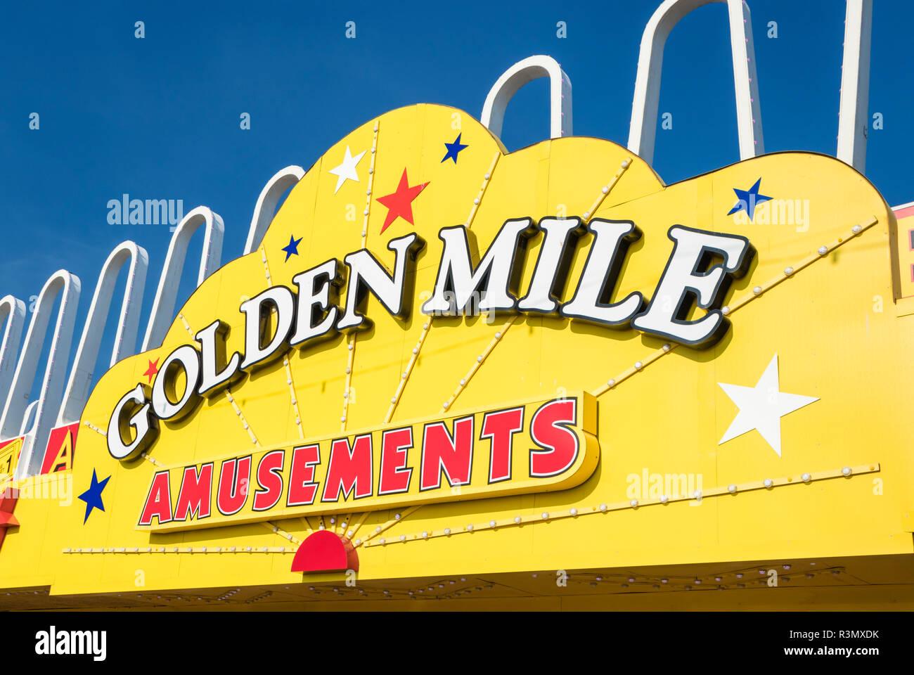 Blackpool Golden Mile amusements amusement arcade on the seafront promenade Blackpool Lancashire England GB UK Europe - Stock Image