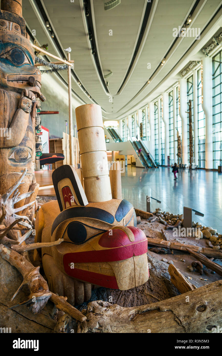 Canada, Quebec, Hull-Gatineau, Canadian Museum of Civilization, First Nations totem pole detail - Stock Image