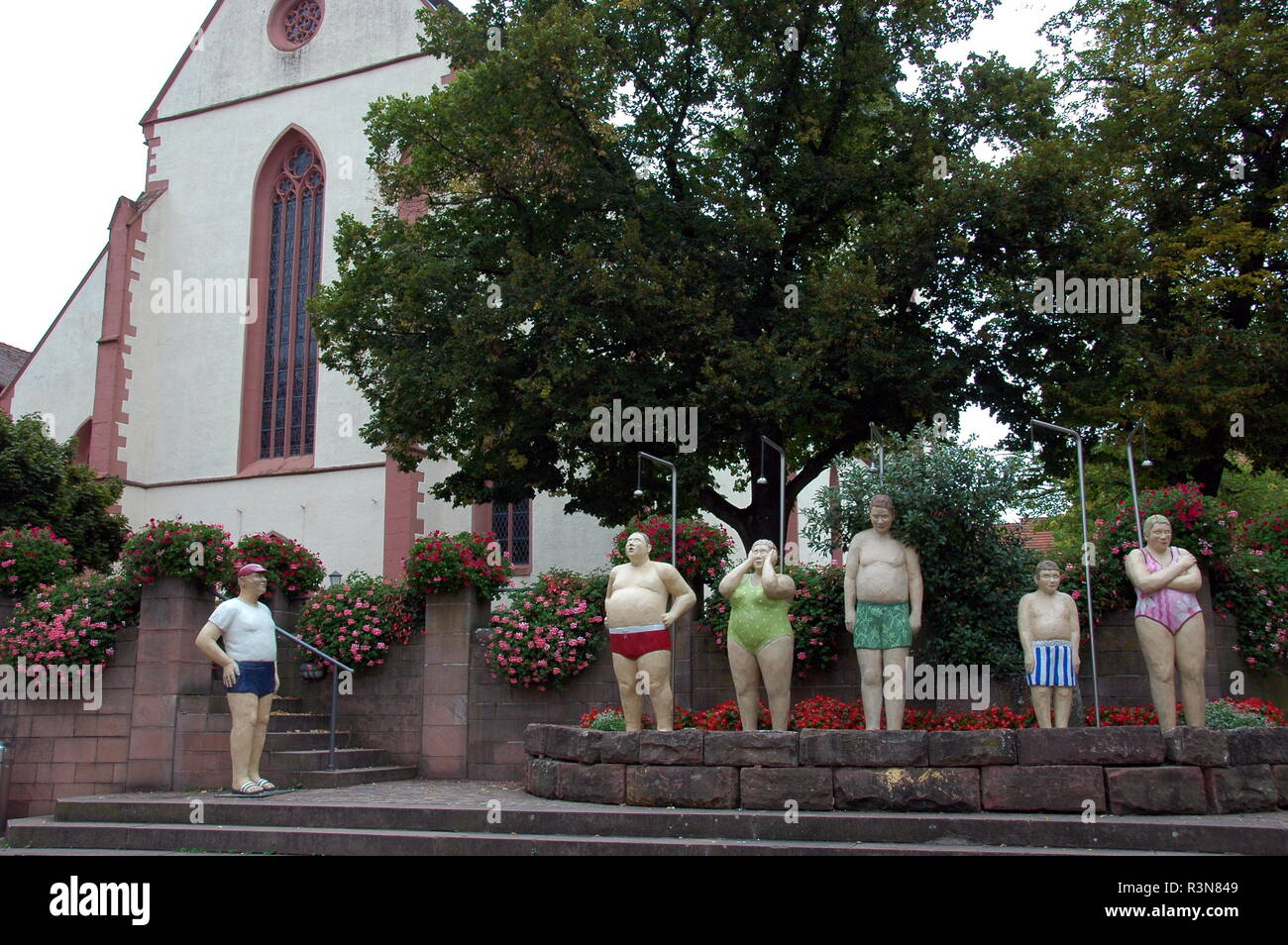 everyday people while showering at the market place in mosbach / baden Stock Photo