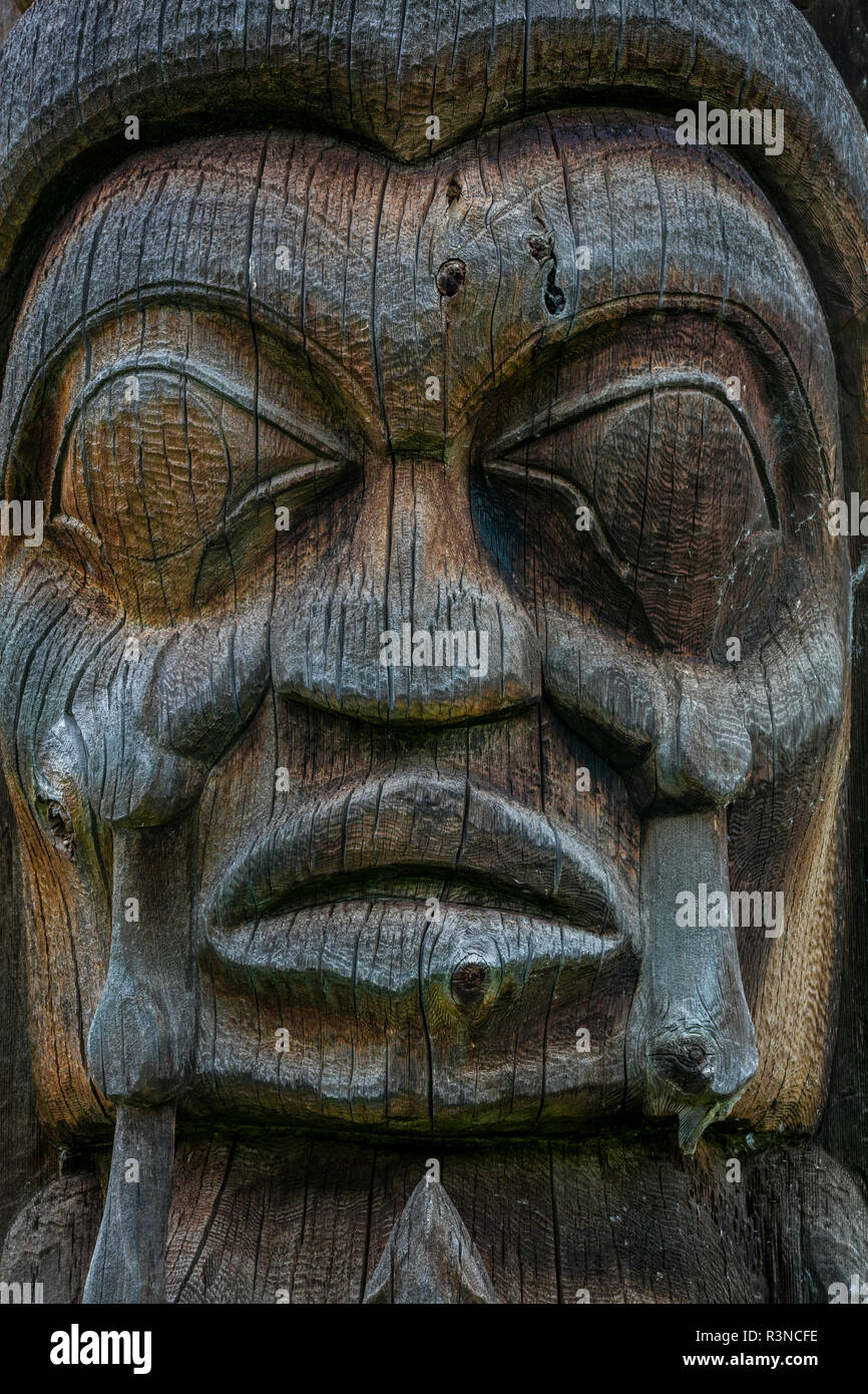 Canada, British Columbia, Kispiox. Detail of totem pole. - Stock Image