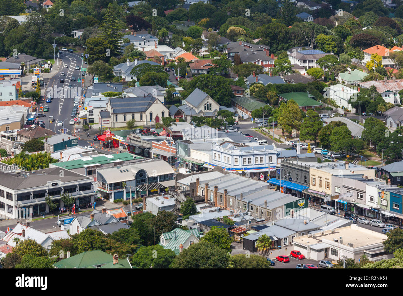 New Zealand, North Island, Auckland. Elevated view of Mt. Eden Road - Stock Image