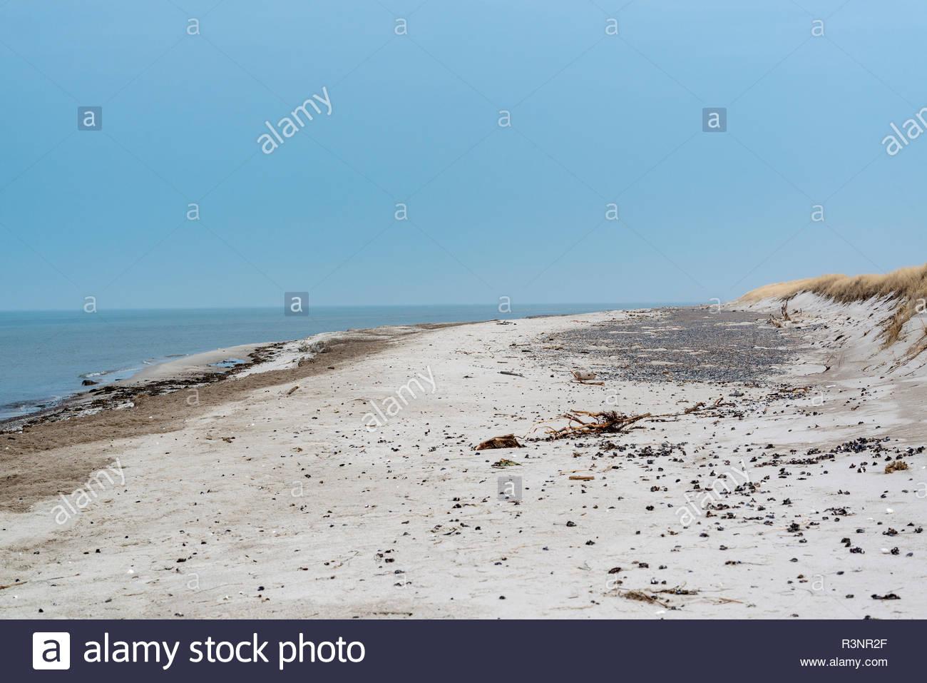 Menschenleerer Strand - Stock Image