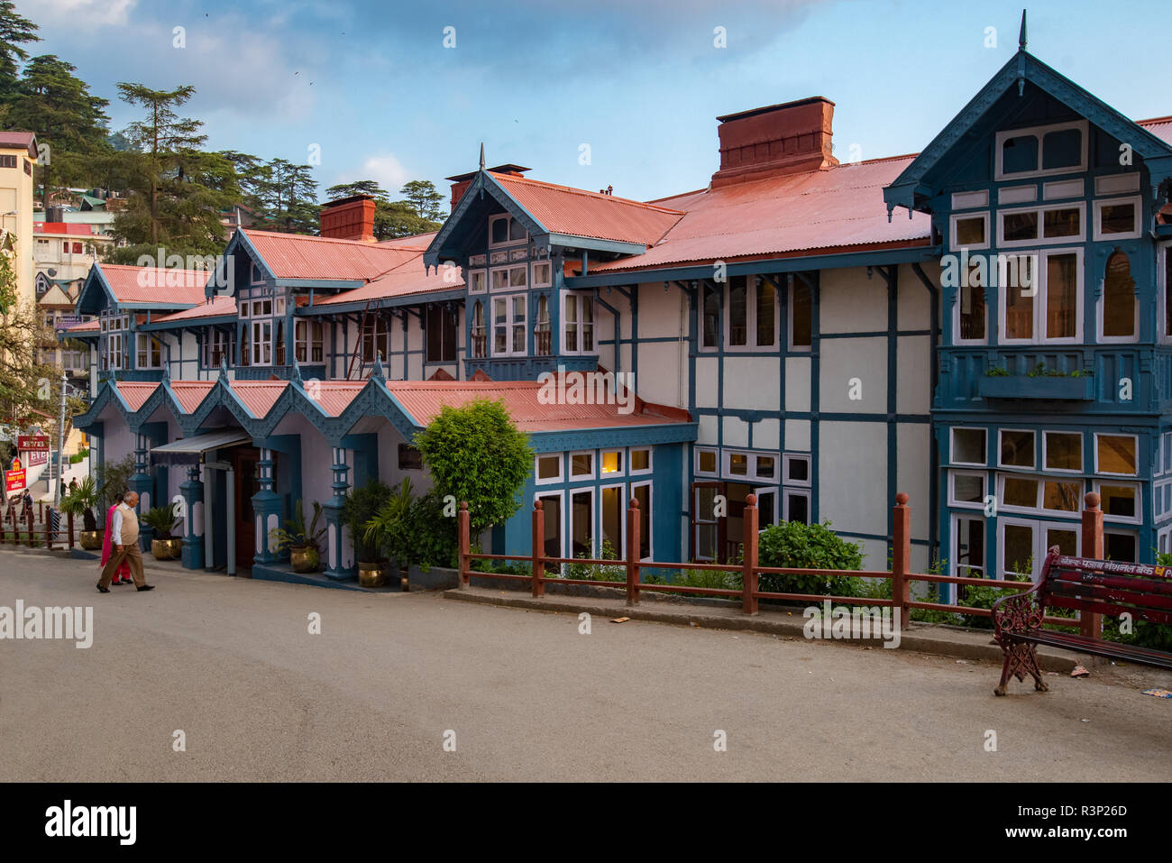 Hotel Oberoi Clarke, a historical landmark in Shimla with its frontage and main entrance onto the mall road. - Stock Image